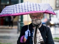 Can you use a scarf as a face covering?