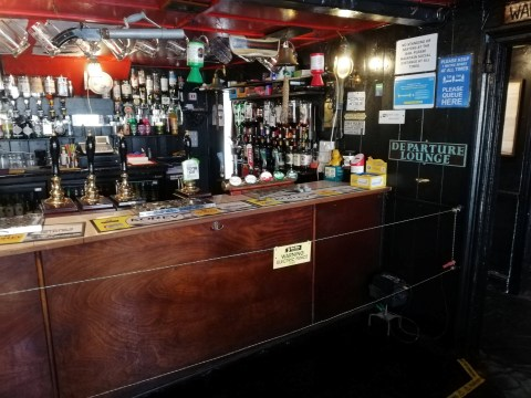 Pub installs electric fence to make sure people social distance