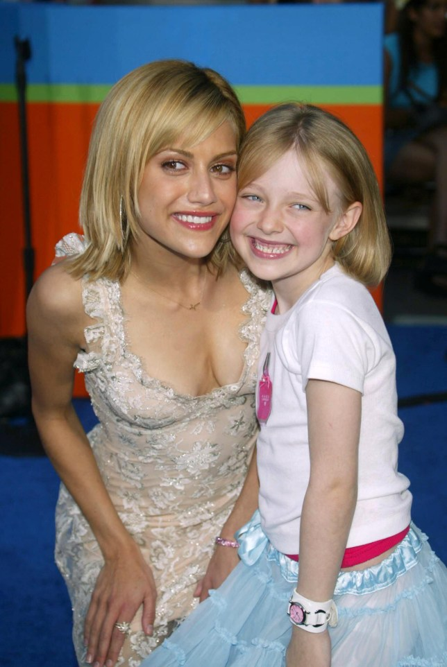 Mandatory Credit: Photo by Peter Brooker/REX (423667co) BRITTANY MURPHY AND DAKOTA FANNING THE TEEN CHOICE AWARDS AT THE UNIVERSAL AMPHITHEATER, LOS ANGELES, AMERICA - 02 AUG 2003