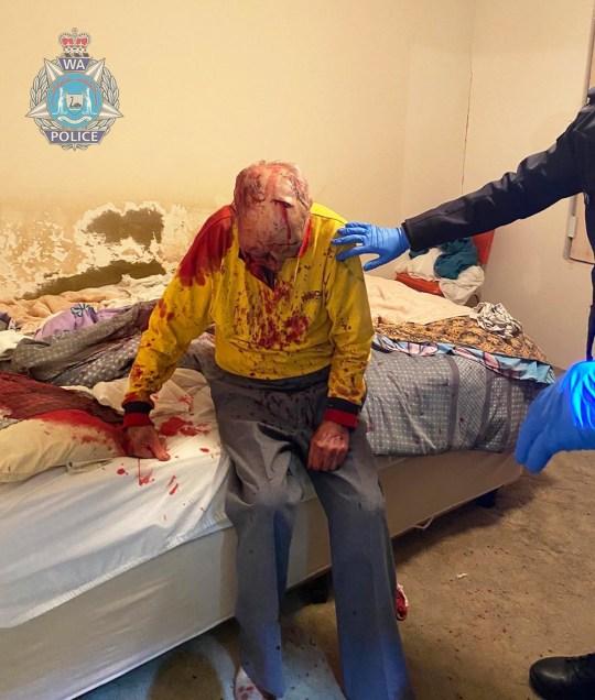 Les détectives de Cannington enquêtent sur les circonstances entourant un incident au cours duquel un homme de 84 ans a été grièvement blessé.  On pense que vers 19 heures, il est allé enquêter sur une perturbation à l'extérieur de son domicile de Henry Street East Cannington et a été agressé.  La police a localisé l'homme de 84 ans souffrant de graves blessures à la tête et au visage à l'extérieur de son domicile et il a été transporté en ambulance à l'hôpital Royal de Perth où il reste aux soins intensifs en attendant une intervention chirurgicale.  Une série de plaintes pour troubles et dommages ont été signalées à la police entre 18 h 00 et 20 h 00 sur Derisleigh Street, Henry Street, Burge Way, Railway Parade et Central Terrace.