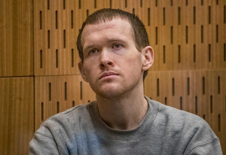 L'Australien Brenton Harrison Tarrant, 29 ans, est assis sur le banc des accusés de la Haute Cour de Christchurch pour le deuxième jour de la condamnation après avoir plaidé coupable de 51 chefs d'accusation de meurtre, 40 chefs de tentative de meurtre et un chef de terrorisme à Christchurch, Nouvelle-Zélande, mardi août. 25, 2020. Plus de 60 survivants et membres de la famille affronteront le tireur de la mosquée néo-zélandaise cette semaine lorsqu'il comparaîtra devant le tribunal pour être condamné pour ses crimes dans la pire atrocité de l'histoire moderne du pays.  (John Kirk-Anderson / Photo de la piscine via AP)