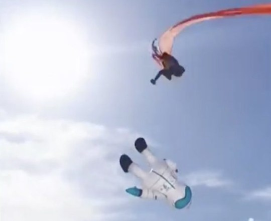 Horrifying moment girl, 3, is swept into to sky by kite