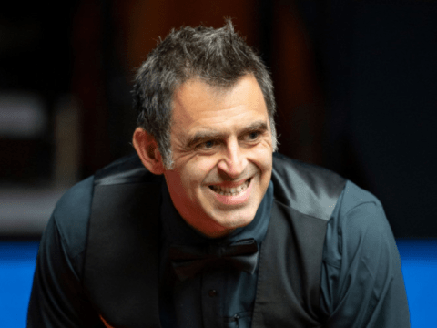 Ronnie O'Sullivan punches table as World Snooker Championship semi-final goes awry