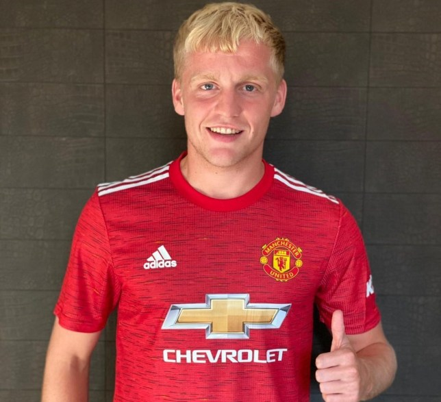 Manchester United Star Dean Henderson Gave Up Shirt Number After Donny Van De Beek Request Metro News