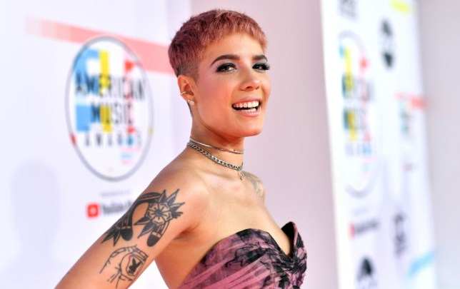Halsey arrives to 2018 American Music Awards