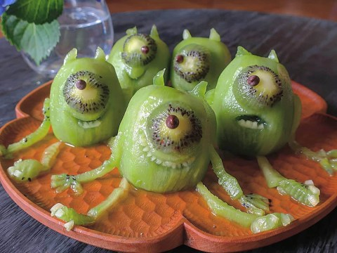 Japanese mum makes incredible creations out of food for her fussy kids
