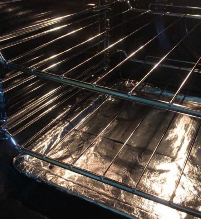 Mums are using washing powder to get their oven racks looking like new