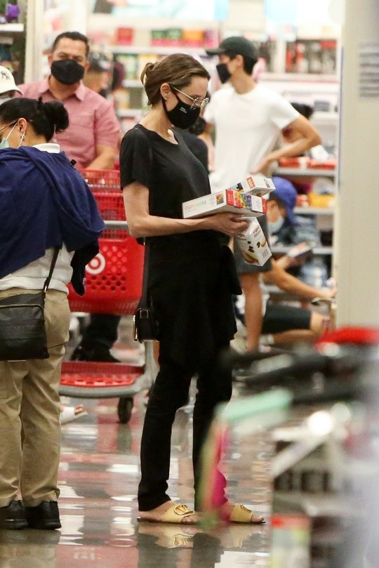 West Hollywood, CA - *EXCLUSIVE* - Angelina Jolie keeps it low key in an all black look as she stops at Target to do some shopping with her kids on Saturday afternoon. Pictured: Angelina Jolie BACKGRID USA 19 SEPTEMBER 2020 USA: +1 310 798 9111 / usasales@backgrid.com UK: +44 208 344 2007 / uksales@backgrid.com *UK Clients - Pictures Containing Children Please Pixelate Face Prior To Publication*