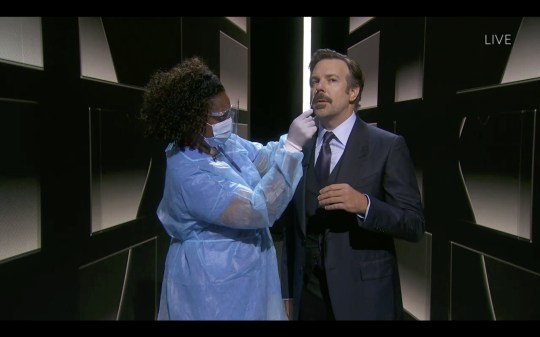 Jason Sudeikis gets Covid test at Emmys.