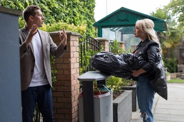 Theresa and John Paul in Hollyoaks