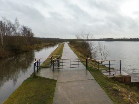Three teenagers arrested for murder after young man found dead in lake