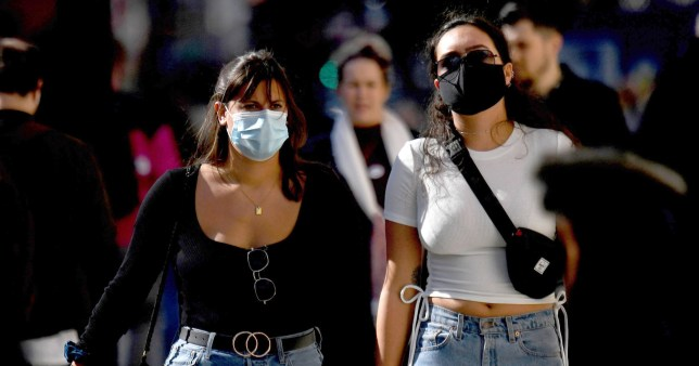 epa08712511 Shoppers wear face masks in Oxford Street in London, Britain, 01 October 2020. As coronavirus case in the UK rise and number of areas are in local lockdown. Britain's Prime Minister Boris Johnson told a press conference that he could implement further measures if cases continued to increase. EPA/NEIL HALL
