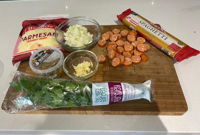 Ingredients to make pasta dish