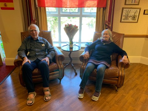 Couple recreate Benidorm honeymoon virtually for 48th wedding anniversary