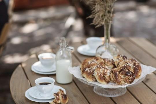 Cinnamon buns and coffee