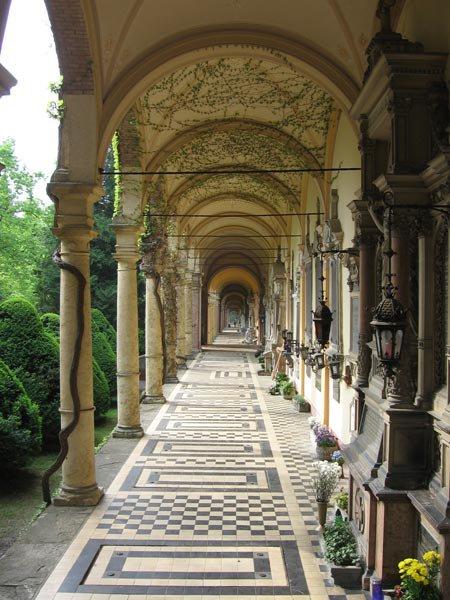 Covered walkway at Mirogoj