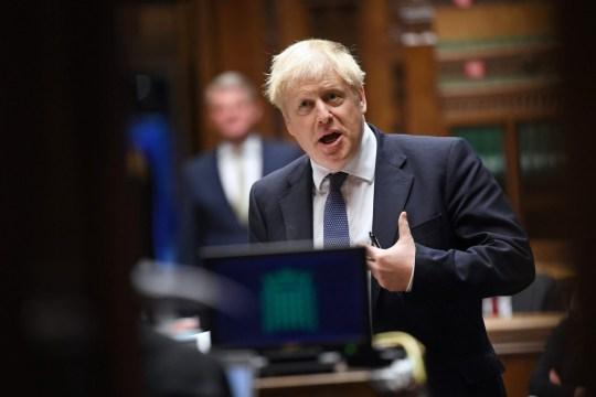 Le Premier ministre britannique Boris Johnson participant aux questions hebdomadaires du Premier ministre (PMQ) à la Chambre des communes à Londres le 21 octobre