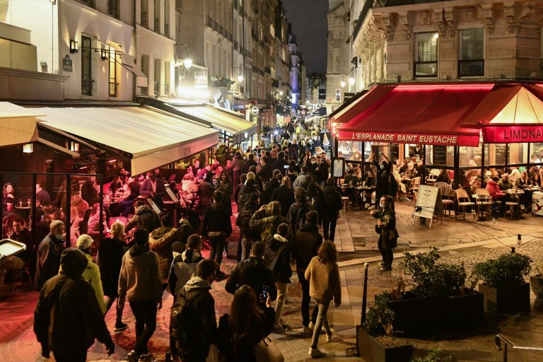 PARIS, FRANCE - OCTOBER 29: Hundreds of anti-lockdown protesters gather in Paris to protest the measures adopted by the government in the fight against the coronavirus (Covid-19) in Paris, France on October 29, 2020. (Photo by Julien Mattia/Anadolu Agency via Getty Images)