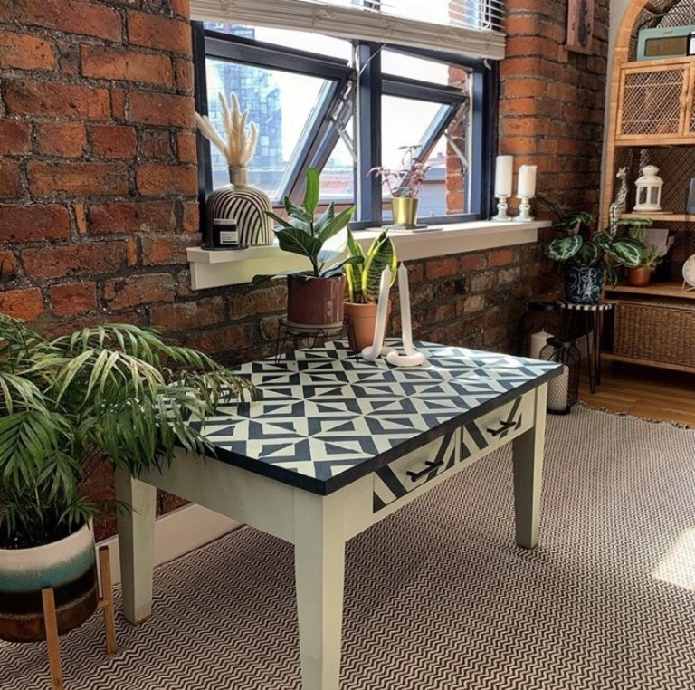 what i rent: Cara and Nat, new islington, manchester - upcycled green and black table