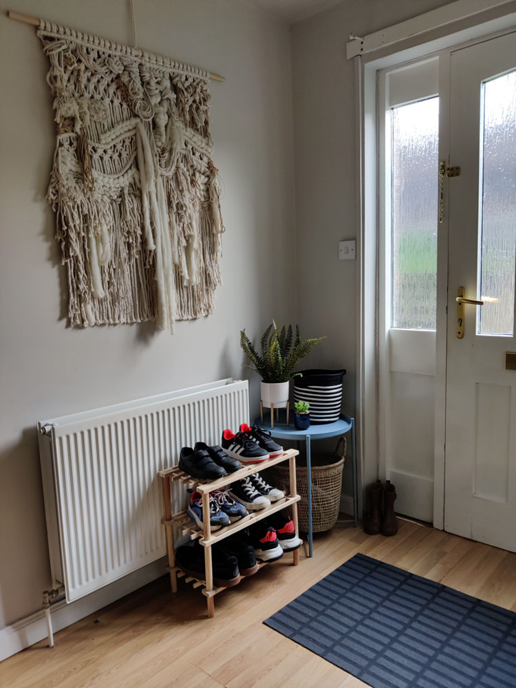 What I Rent: Megan, Falkirk - hallway with shoes and tapestry hanging