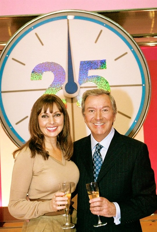 Countdown hosts Carol Vorderman & Des O'Connor celebrating the show's 25th anniversary, London. PRESS ASSOCIATION Photo. Picture issue date: Thursday 1 November 2007. See PA story SHOWBIZ Countdown. Photo credit should read: Granada Productions/PA Wire