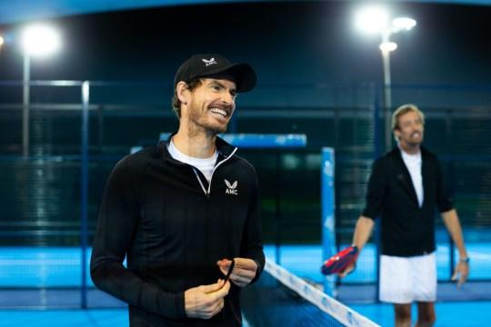 Andy Murray et Peter Crouch jouent au padel pour BBC Children in Need 2020 filmé au Centre national de tennis de la LTA le 09 novembre 2020 à Londres, en Angleterre.