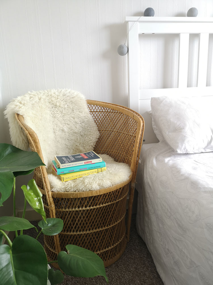 What I Rent: Megan, Falkirk - white fluffy rug on a chair