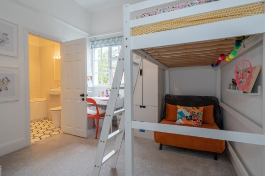 One of the kid's bedrooms