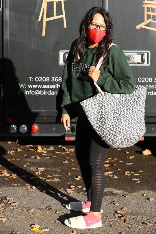 BGUK_2032141 - London, UNITED KINGDOM - TV presenter Ranvir Singh??and?? dance partner Giovanni Pernice arrive at Strictly Dancing rehearsals studio Pictured: Ranvir Singh,??Giovanni Pernice , Amy Dowden, JJ Chalmers BACKGRID UK 12 NOVEMBER 2020 UK: +44 208 344 2007 / uksales@backgrid.com USA: +1 310 798 9111 / usasales@backgrid.com *UK Clients - Pictures Containing Children Please Pixelate Face Prior To Publication*