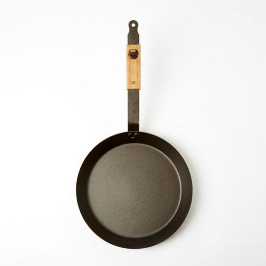 Oak Handle Frying Pan 30cm Netherton Foundry