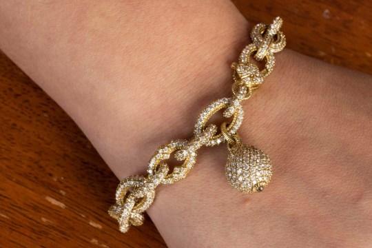 Diamond bracelet worth ?30,000 Unclaimed baggage Store Alabama credit to Matt Pittman