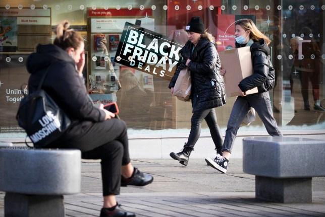 Boutiques le long de Princes Street à Édimbourg