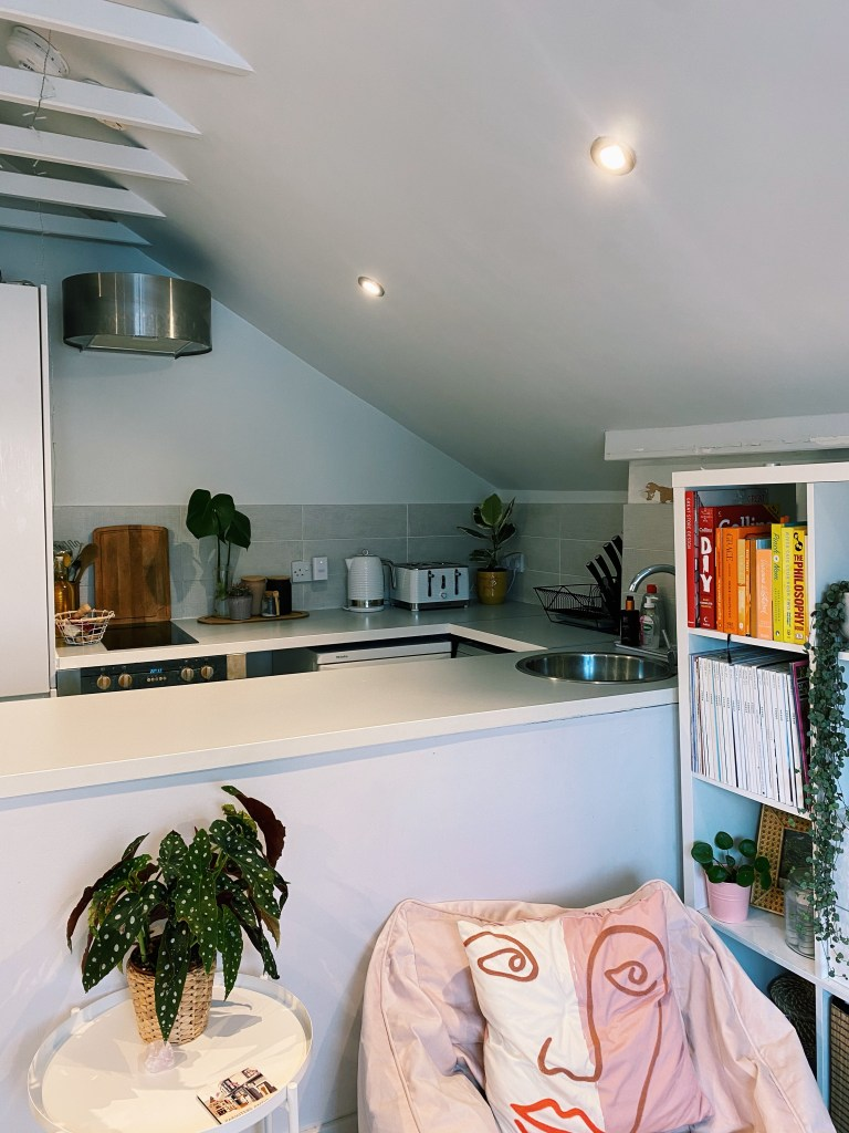What I Rent: Rosie, Southsea view into the kitchen