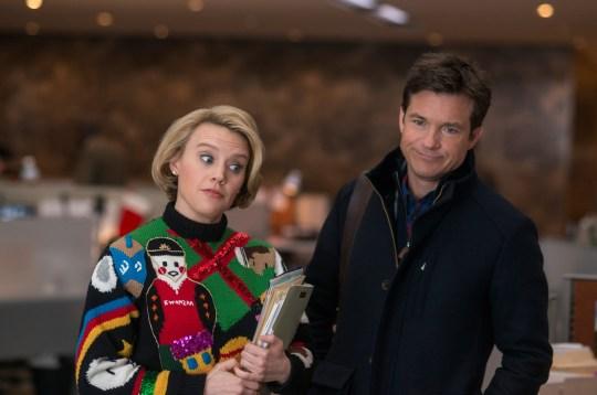 Kate McKinnon and Jason Bateman in Office Christmas Party