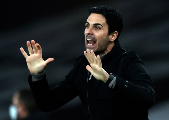 Mikel Arteta looks on during Arsenal's Carabao Cup defeat to Manchester City