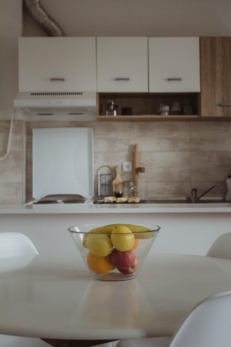 what I Rent: Dario, Belgrade, Serbia - fruit bowl