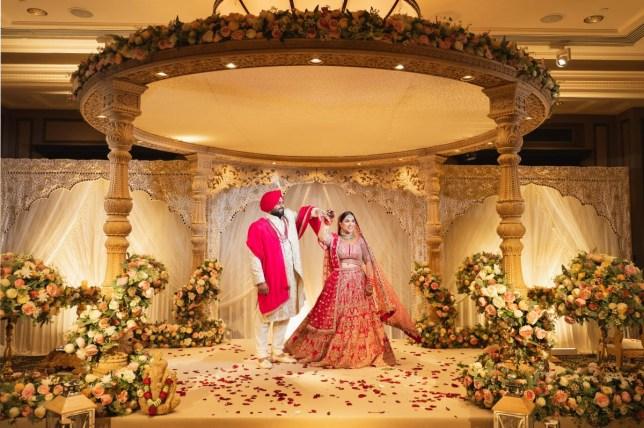 Anisha et Vikash Sarpal le jour de leur mariage cette année