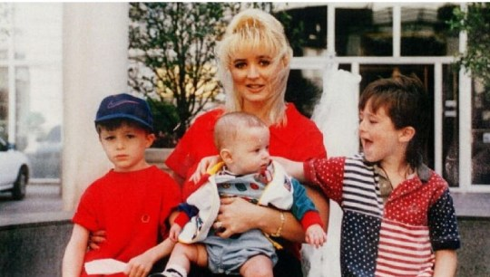 Darlie Routier with her sons Damon, Drake and Devon more than 22 years agoDarlie Lynn Routier (center) was given the death sentence in 1997 when a jury found her guilty of capital murder of two of her sons, Devon and and Damon pictured. Her youngest son drake, center, was unharmed. Image taken from Facebook No permission given https://www.dailymail.co.uk/news/article-3625704/Mother-silly-string-woman-guilty-brutally-murdering-two-sons-home-claims-daughter-innocent-20-years-on.html