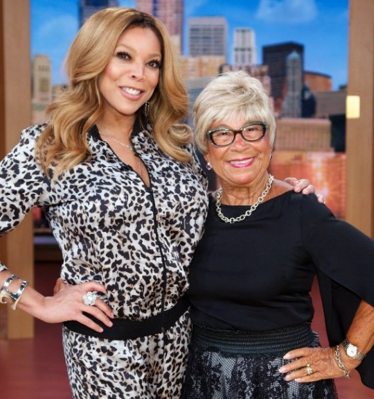 Wendy Williams with her mother Shirley Williams