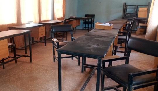 Une vue d'une salle de classe de l'école secondaire Government Science du district de Kankara, après avoir été attaquée par des bandits armés, dans le nord-ouest de l'État de Katsina, Nigéria le 12 décembre 2020. REUTERS / Abdullahi Inuwa PAS DE REVENTE.  PAS D'ARCHIVES