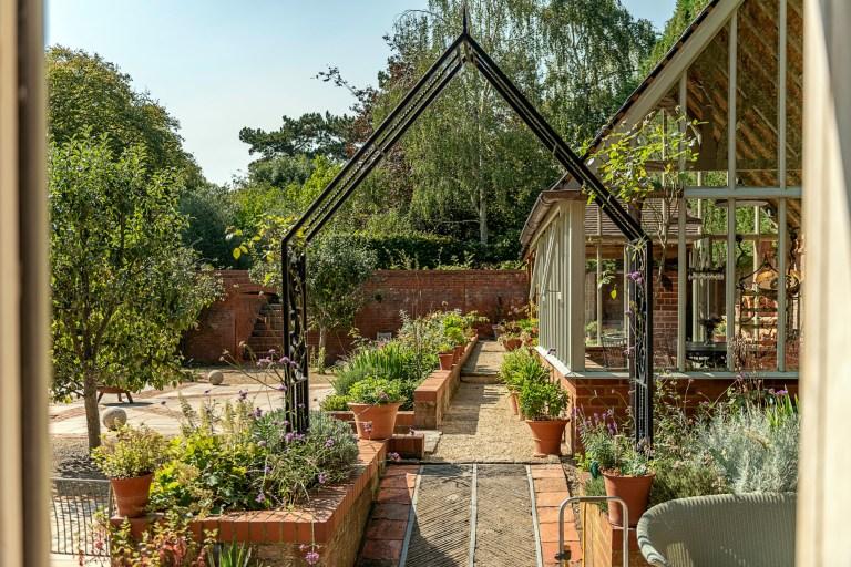 Outdoor garden, Jacqueline de Rojas