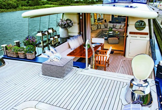 the savvy houseboat for sale