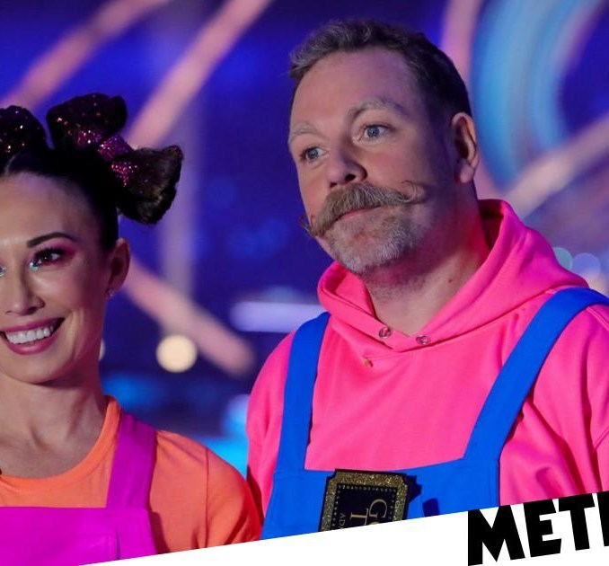 Dancing on Ice 2021: Ashley Banjo defends Rufus Hound for slating government
