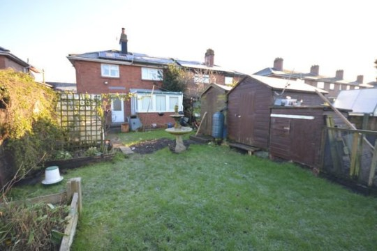 3 bed terraced house for sale Sissons Crescent, Leeds LS10 - the garden