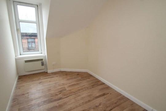 2 Bedroom Flat, Bonnybridge (Picture: Future Property Auctions) - bedroom