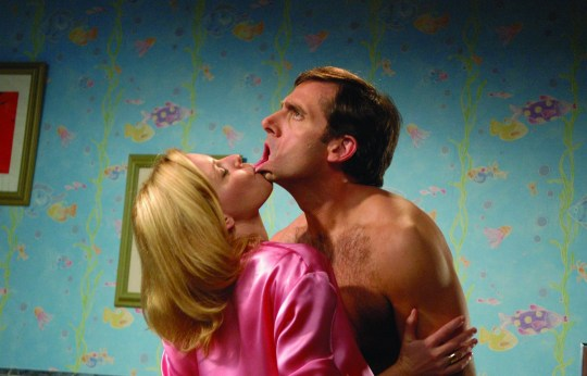 Film: 'The 40 Year Old Virgin' Film - 2005 Leslie Mann and Steve Carell