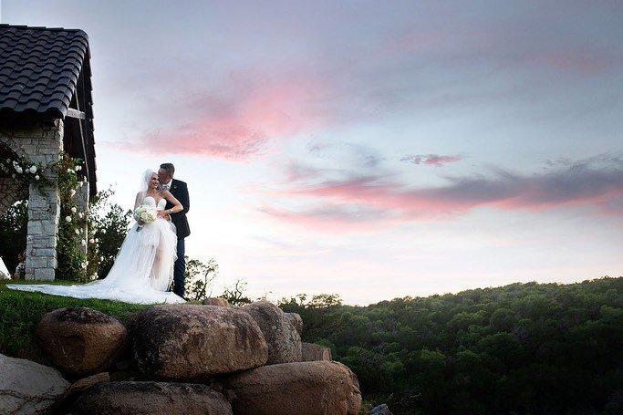 Gwen Stefani and Blake Shelton on their wedding day
