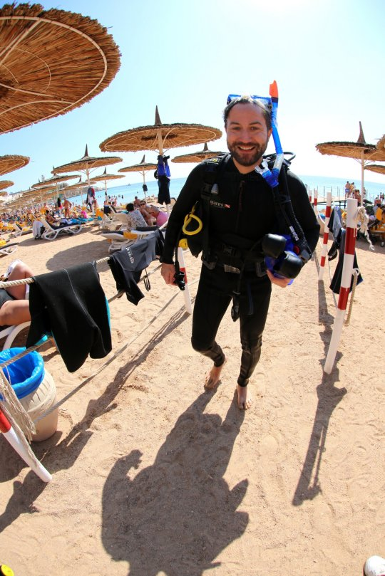 Patrick welch gets ready for a dive on the beach at Sharm el Sheikh