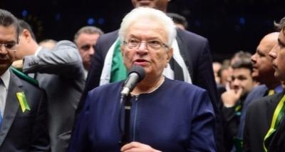 Deputada sobe o tom e chama projeto da reforma trabalhista de 'desgraça'; vídeo