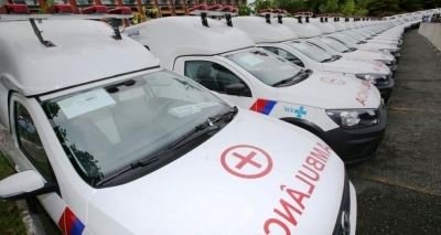 Rui entrega 103 novos veículos para assistência à saúde no estado